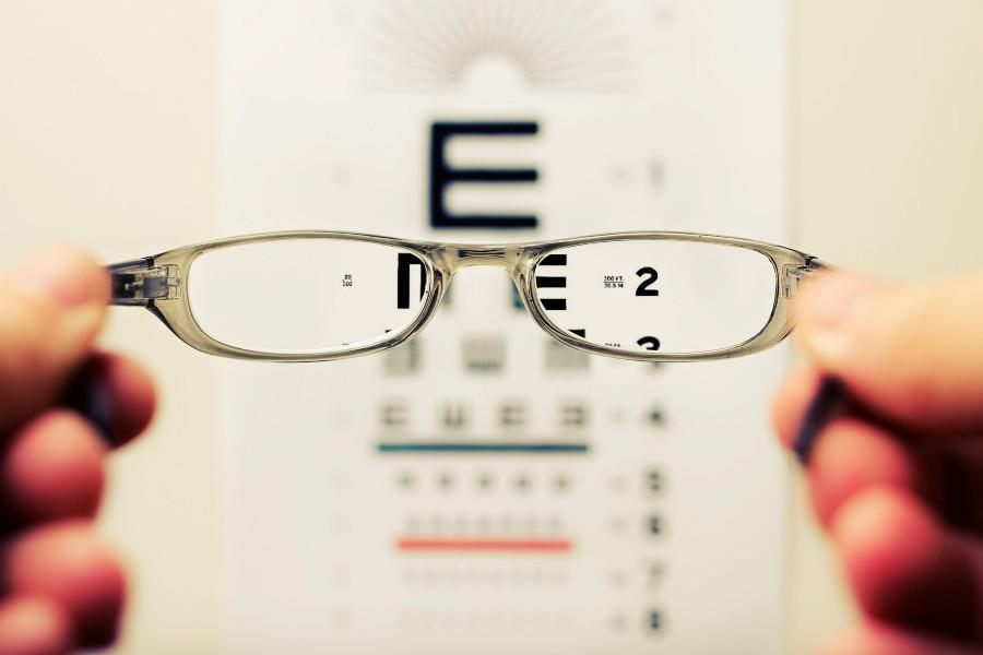 Revisión en una óptica